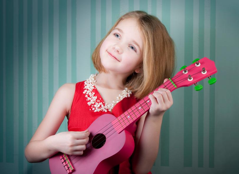 mua dan ukulele