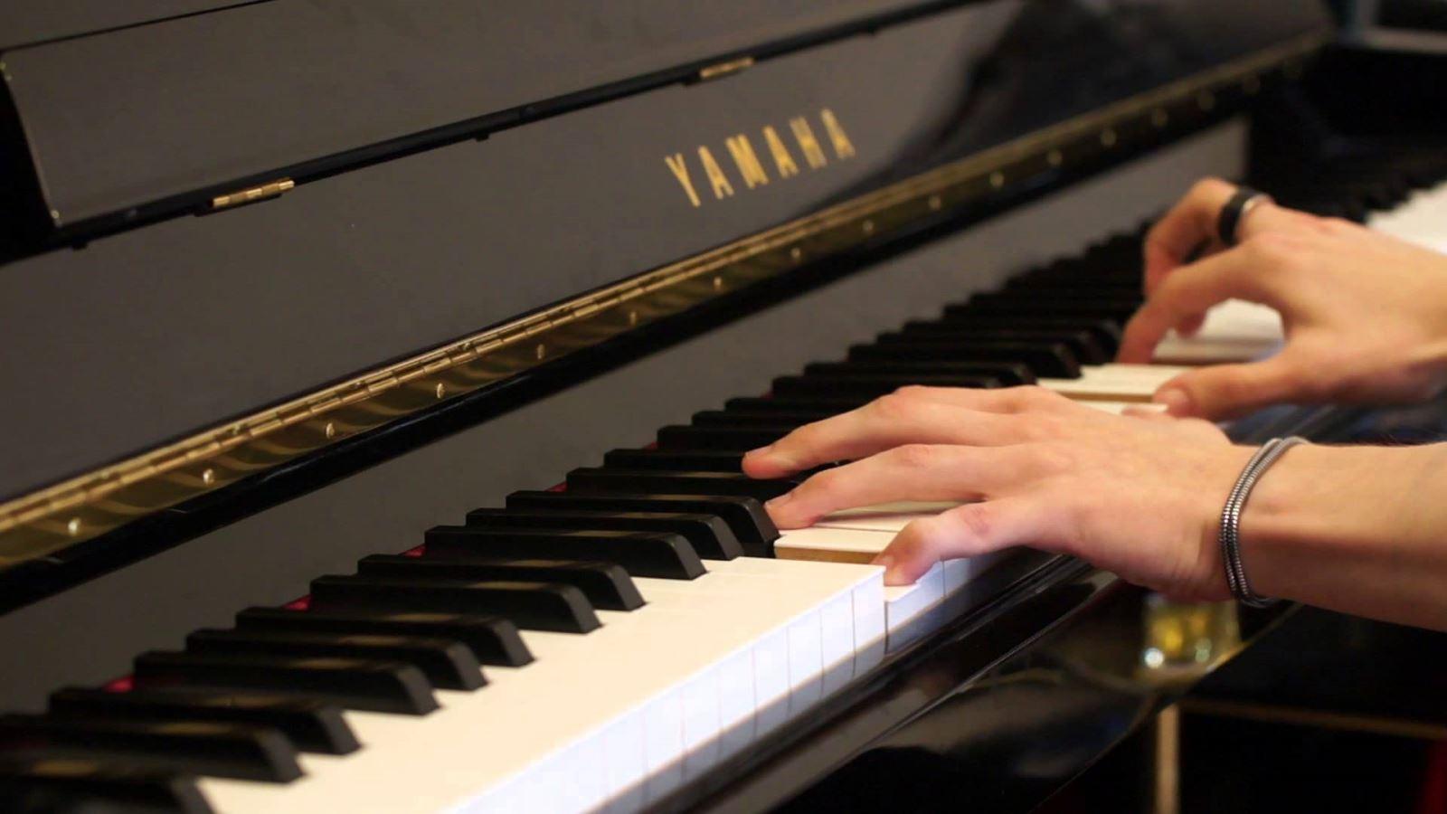 đàn Piano yamaha cũ