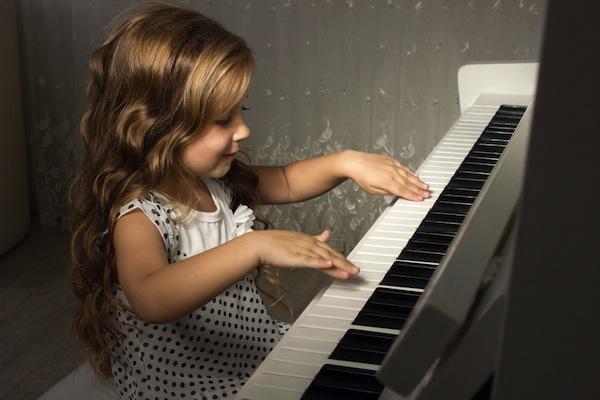 mua dan piano cho be