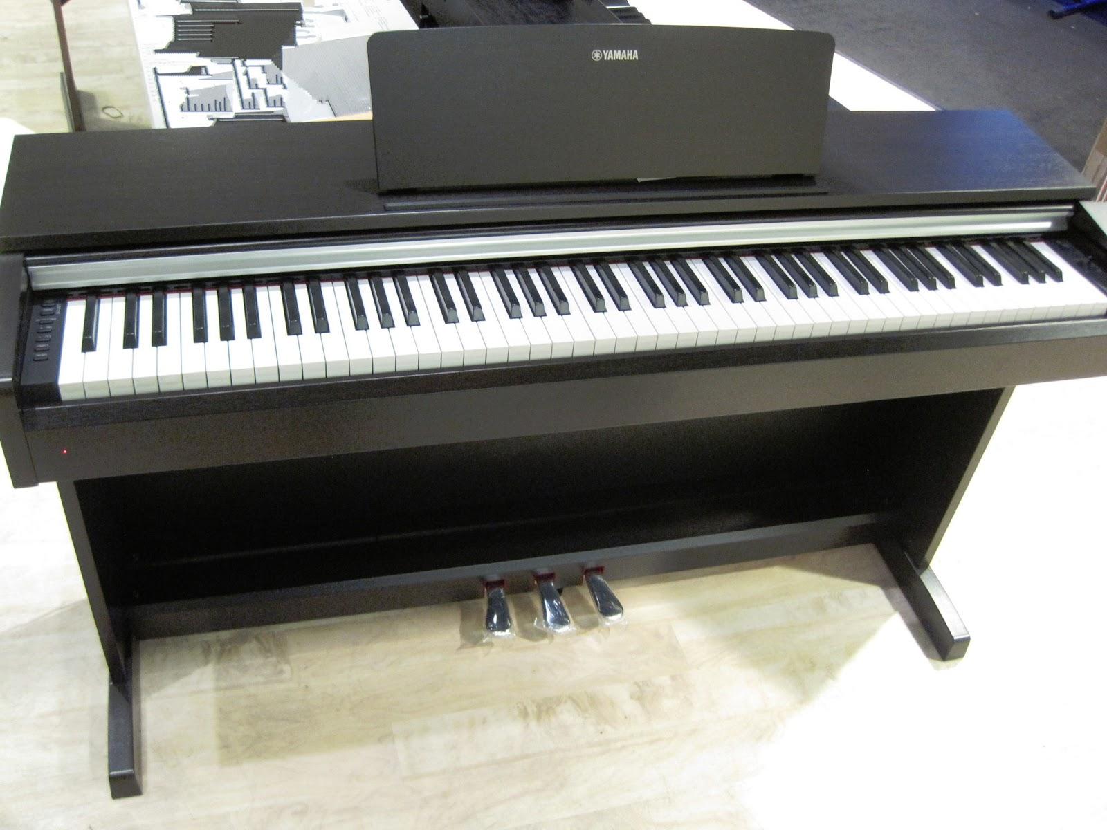 Arius Yamaha YDP 142R