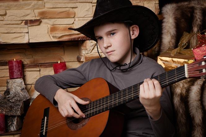 3 mẫu Clasic Guitar Valote cực chất cho trẻ dưới 12 tuổi