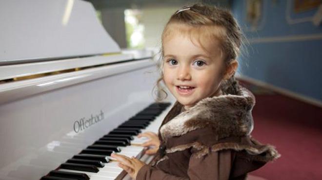 Mua đàn Piano điện nào cho trẻ em?